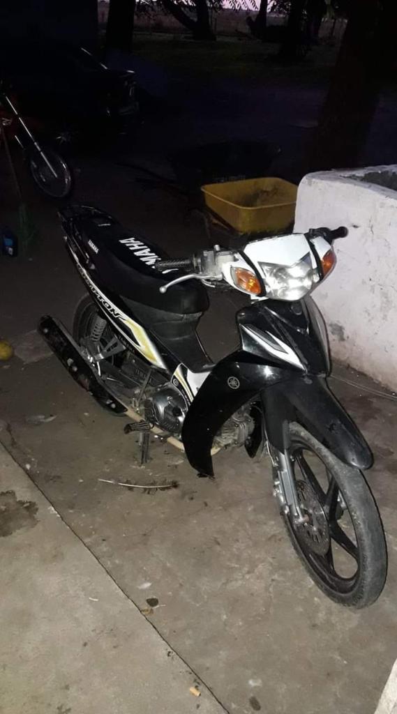 La moto había sido escondida en un galpón